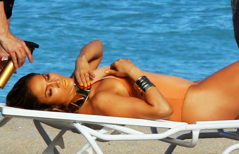 Jennifer Lopez Curves