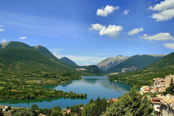 Parco nazionale d abruzzo una vacanza immersa nella for Una storia ospita vicino a me