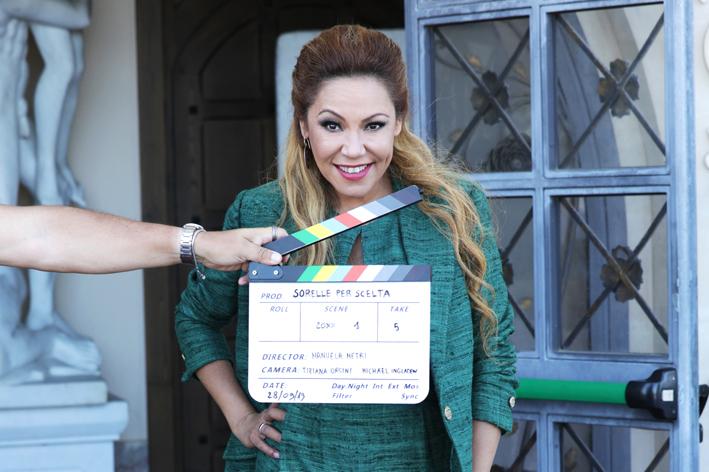 """Photo of Linda Batista torna sul set come protagonista del film """"Sorelle per scelta"""", diretto da Manuela Metri"""